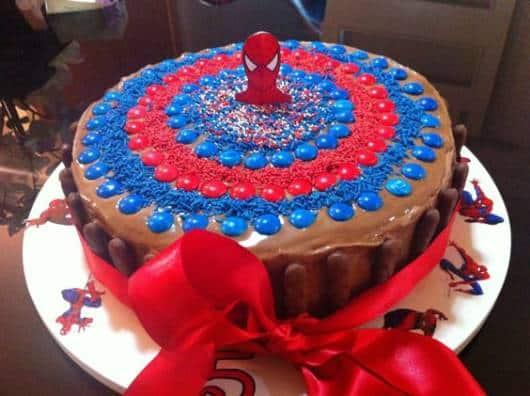 bolo de confete