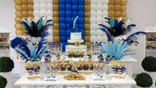 decoração azul e dourada