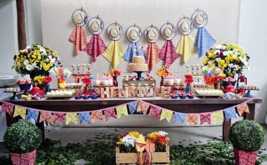 decoração com chapeu de palha