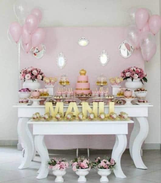 decoração rosa e dourada