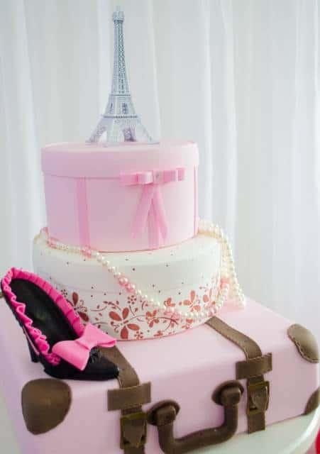 bolo falso festa Barbie Paris