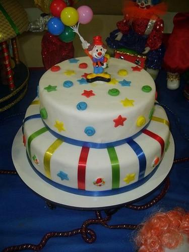 decoração de bolo circo simples