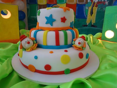 modelos de bolo circo simples
