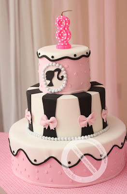 dicas de bolo da festa Barbie Paris