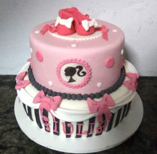 bolo festa Barbie Paris como fazer
