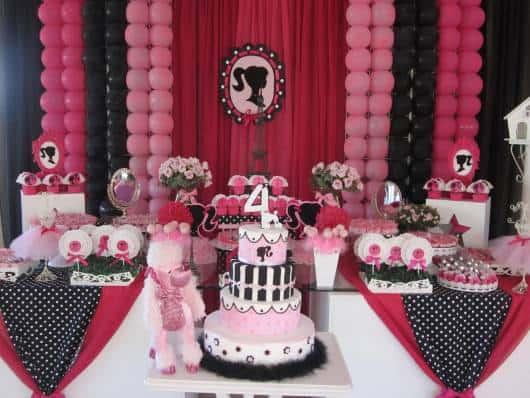 festa barbie paris rosa e preto