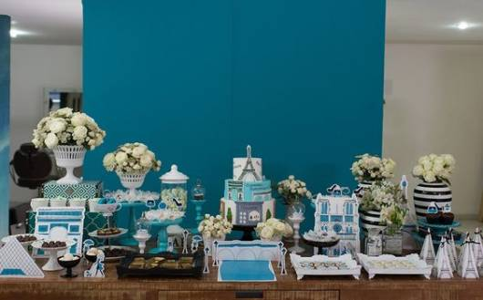 Festa azul e branca