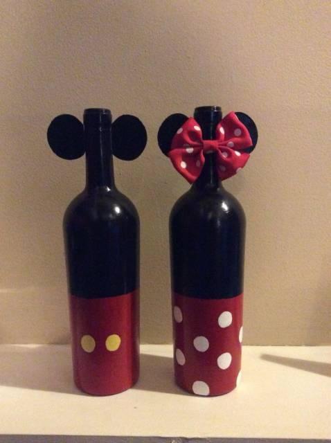 centro de mesa Minnie com garrafa de vinho