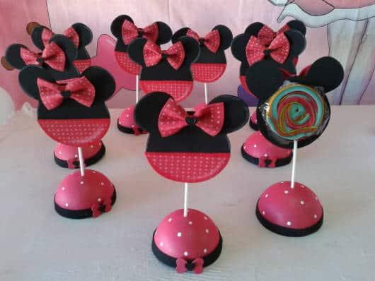 centro de mesa Minnie de pirulito colorido