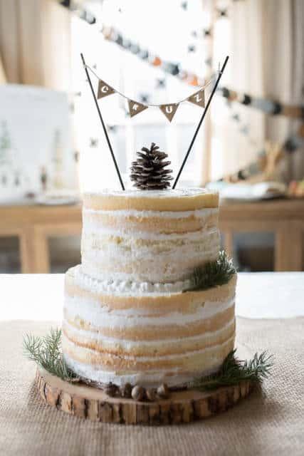naked cake infantil com recheio e bolo branco