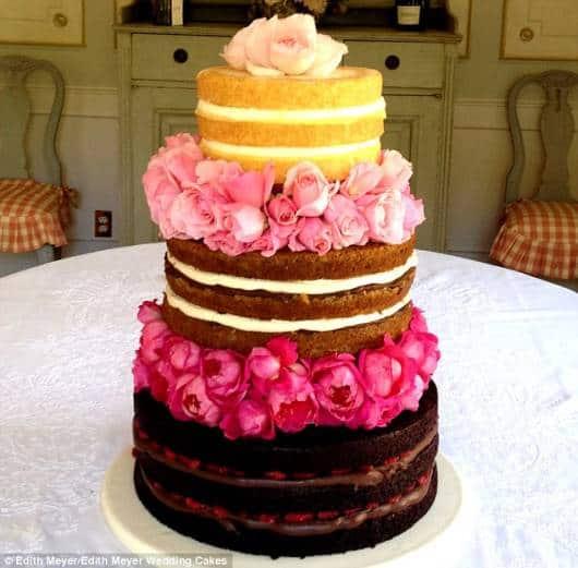 naked cake infantil com três sabores