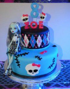 bolo com boneca