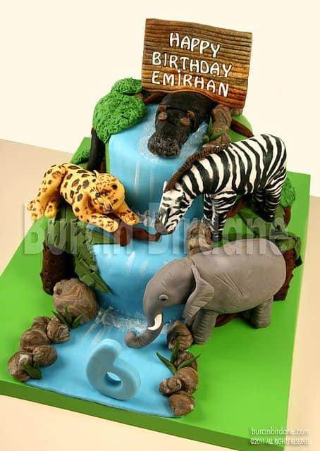 bolo-safari-biscuit-cachoeira-ideias