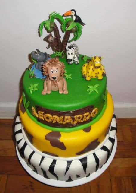 bolo-safari-biscuit-de-3-andares
