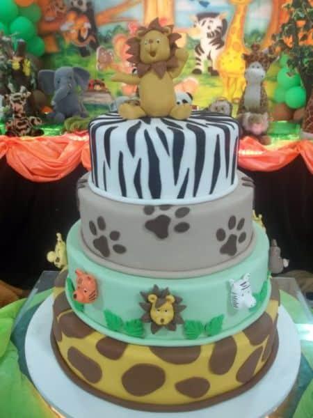 bolo-safari-biscuit-de-4-andares