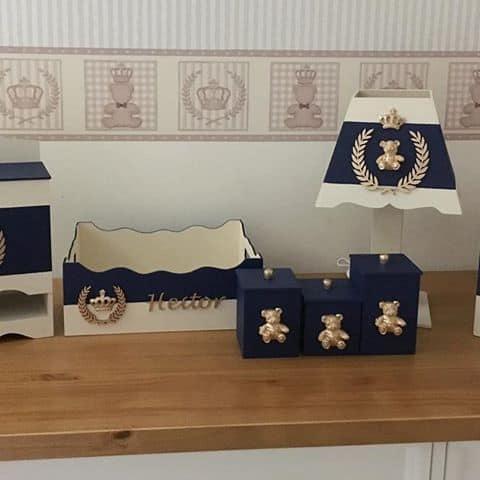 decoração azul marinho e dourado