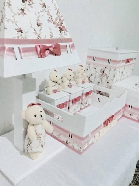 modelo decorado com tecido e ursinhas