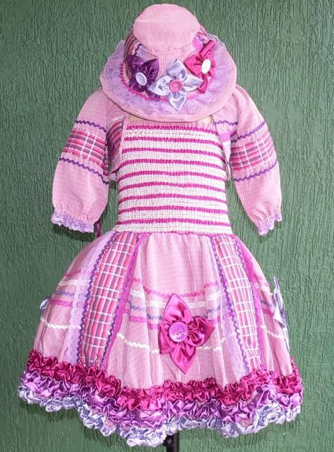 modelo rosa com bolero