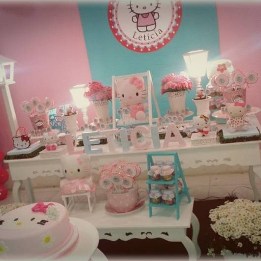 mesa Festa Hello Kitty provençal