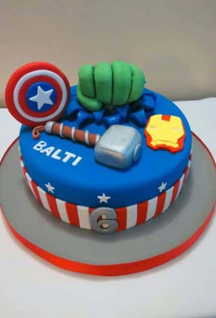 bolo pequeno decorado