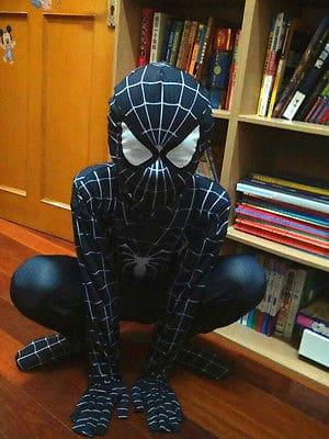 macacão homem aranha preto