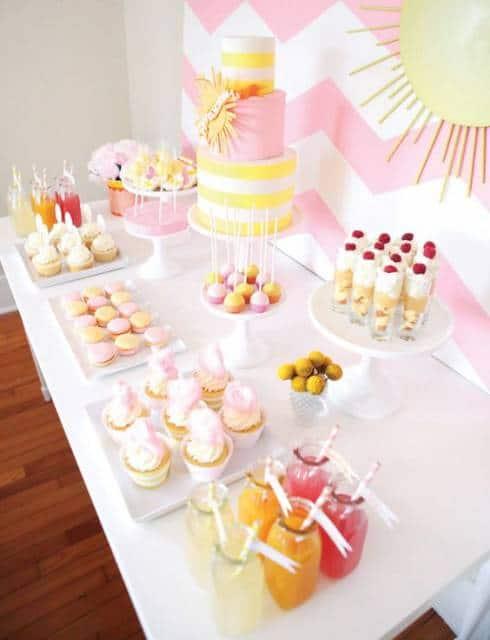festa simples rosa e amarelo