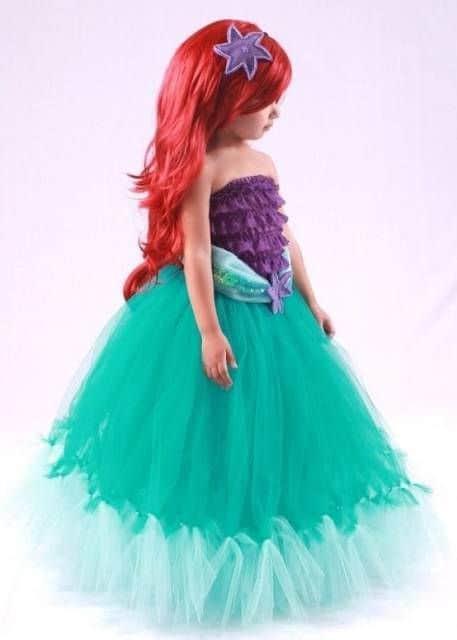 Vestido de sereia roxo e verde.