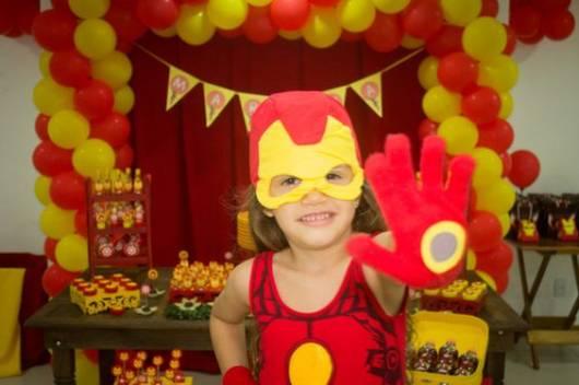 Marina na sua festa do Homem de Ferro.