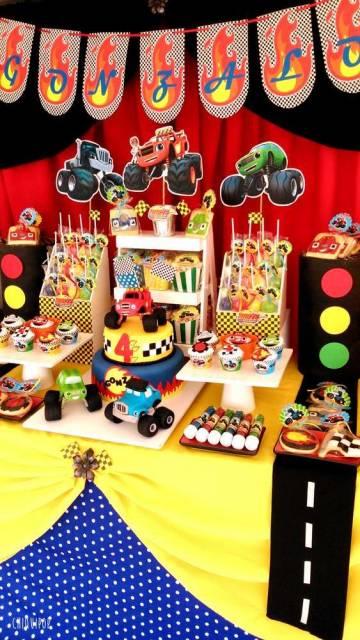 Decoração de meda de bolo de festa Blaze Monster Machine.
