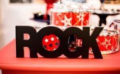 Letras decorativas com a palavra Rock.