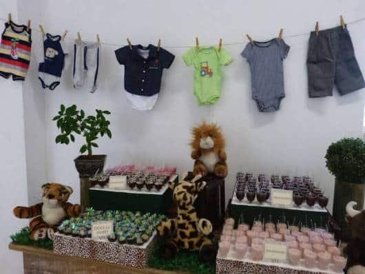 varal de roupas para decorar chá de bebê