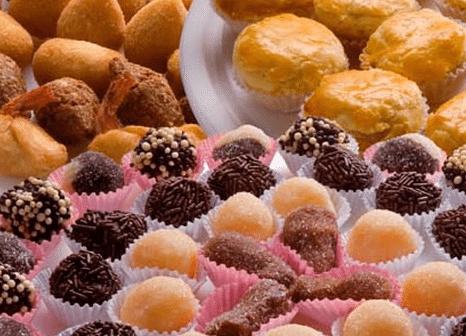 brincadeiras para chá de revelação de comidas doces e salgadas