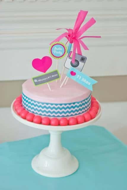 bolo azul e rosa para festa de aniversário infantil
