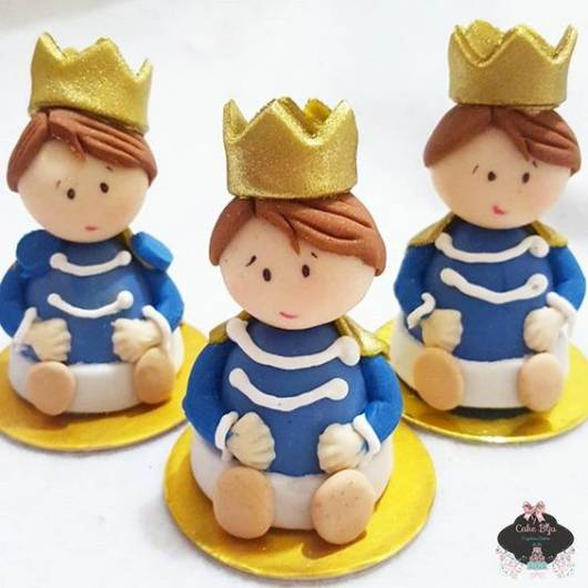 Bonecos de Biscuit de Príncipe.