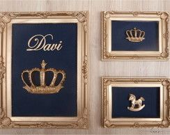 Montagem de três quadros com coroas, o nome do bebê e um cavalinho.