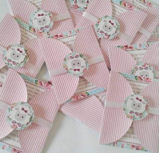 Convite rosa de ovelhinha chá de bebê