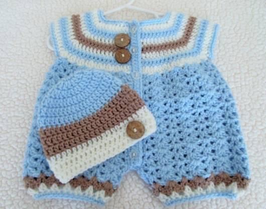 macacão de crochê para bebê com gorro