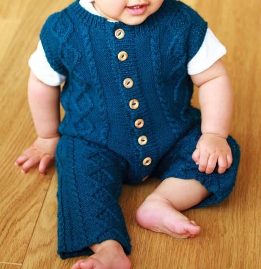 macacão de crochê para bebê azul com manga curta