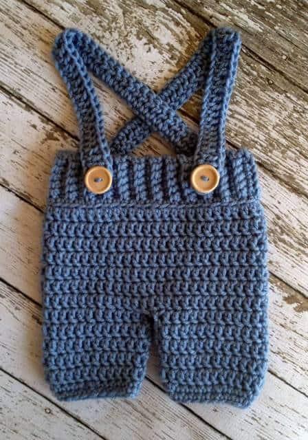 macacão de crochê para bebê azul de alcinha