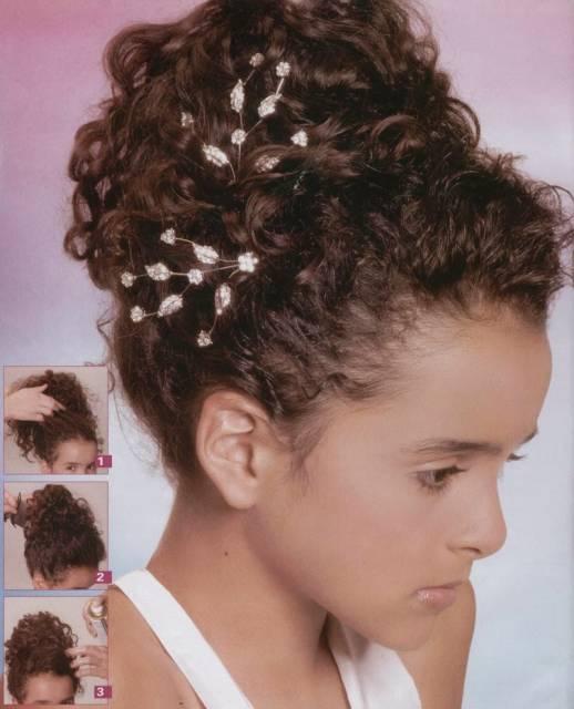 dica de penteados para cabelo cacheado infantil para casamento