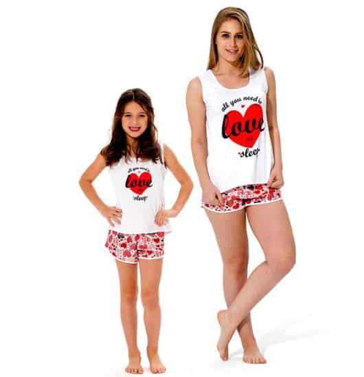 Pijama tal mãe tal filha estampa de coração