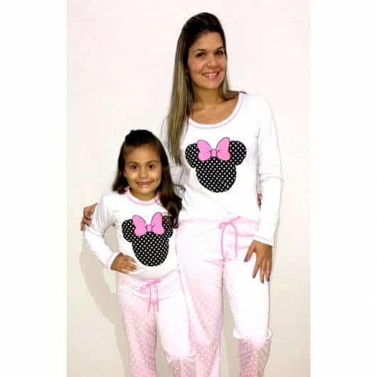 Pijama tal mãe tal filha cor branca Minie de inverno