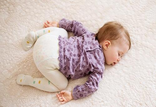 sono do bebe de bruços não pode