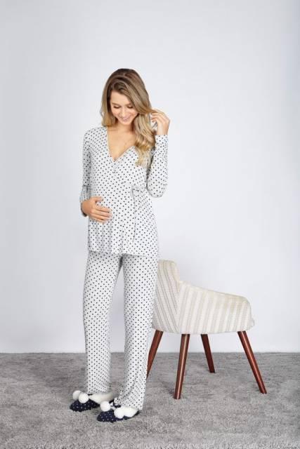 conjunto de pijama para gestante de calça e manga longa com estampa de poá