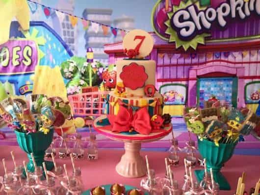ideias de mesas para Festa Shopkins