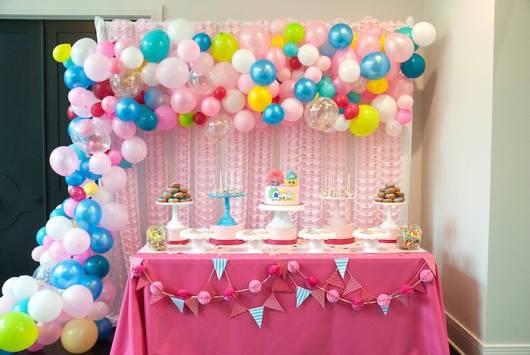 mesa para Festa Shopkins em casa