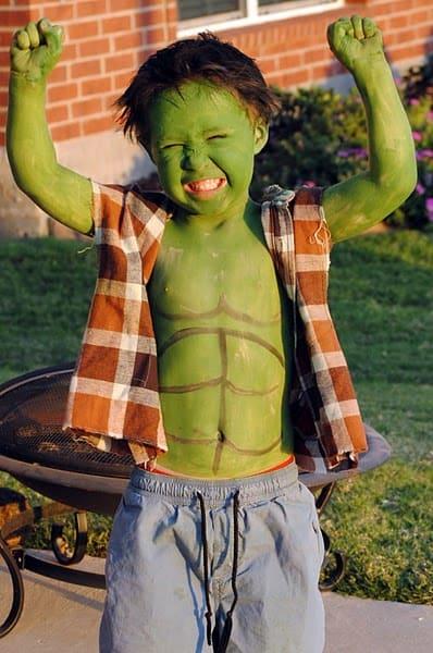 como fazer uma fantasia do Hulk Infantil em casa