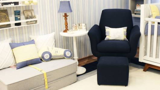 poltrona azul marinho decoração