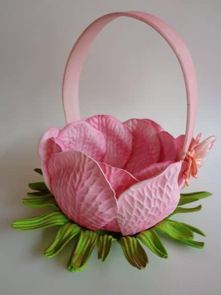 Porta docinhos com formato de flor.