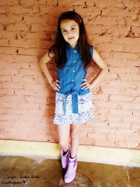 look infantil com blusa jeans
